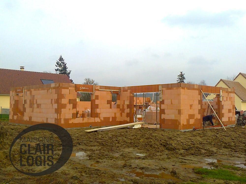 Phase d'élévation des murs - construction maison