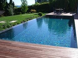 Construire sur un petit terrain terrasse ou piscine for Piscine pour petit terrain
