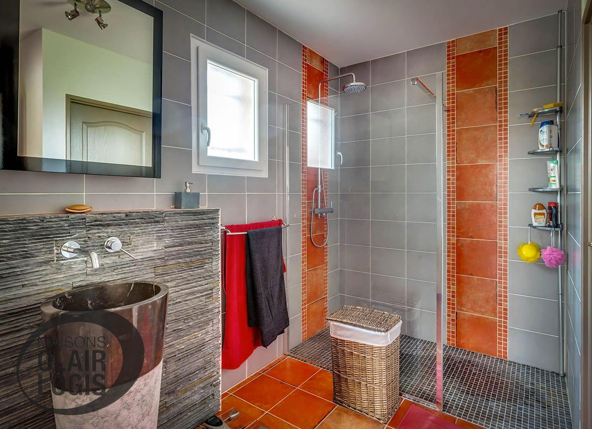 Salle de bain moderne avec douche l 39 italienne maisons - Salle de bains a l italienne ...